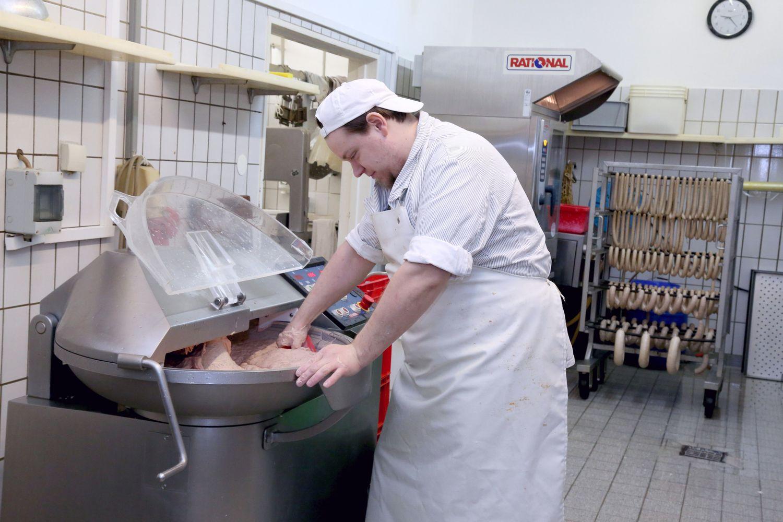 Fleischerei-Staroske-Berlin-LandJuwel-Wurstproduktion (1).JPG