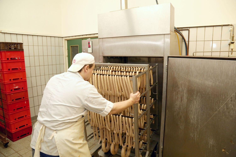Fleischerei-Staroske-Berlin-LandJuwel-Wurstproduktion (14).JPG