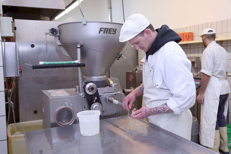 Fleischerei-Staroske-Berlin-LandJuwel-Wurstproduktion (4).JPG
